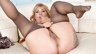 Hairy milf Joclyn Stone gets turned on in pantyhose