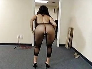 Pornstar long nails Handjob in fishnet dress with high heels and red long nails