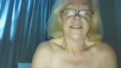 Grandma Linda 2 times cum with her humming buddy
