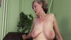 La abuela necesita un orgasmo