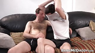 Young guy getting his asshole barebacked my mature man