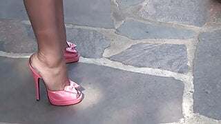 Milf Fetishlady wearing High Heels and Nylon Stockings