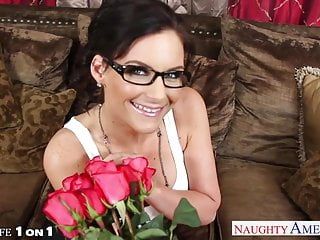 Mark mary lingerie explicit - Excited wife in glasses phoenix marie fucking