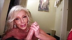 Very hot gilf making a guy cum with her hands