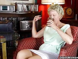 Vaginal itching days after a sore disappeared - Gilf needs to get off after a day at the office