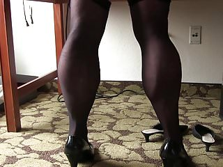 Sexy calves wemon skirt Muscular calves in nylons