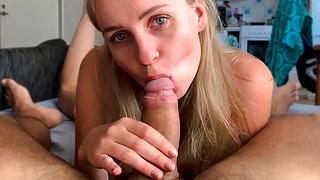 Hot Girlfriend Deep Sucking Big Cock and Cum Swallow