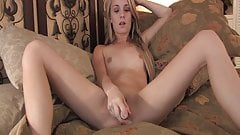 Sara Strips out of Shorts To Fuck Pussy