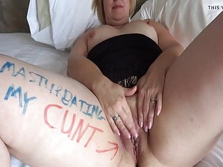 Filthy cunts Texas milf pig - filthy whore fingers her cunt