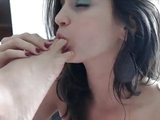 Fat foot large leg lick old suck toe woman Live on the bate - sole licking toe sucking