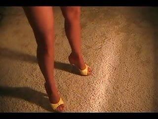 Latina women wearing pantyhose - Hot wife wearing pantyhose, denim shorts and heels
