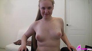 Curvy girl masturbates in her stockings