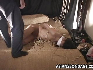 24 hour bondage session cage - Asian bitch gets a bondage session to its full extent