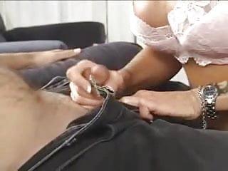 Justus rouxs erotic tales - Leslie la roux handjob
