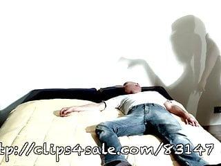 Sexual vampiress - Unp063-vampiress deathly bite- smothering