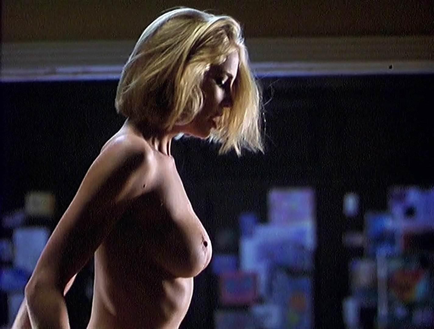 Kathleen Kinmont Nude Pics