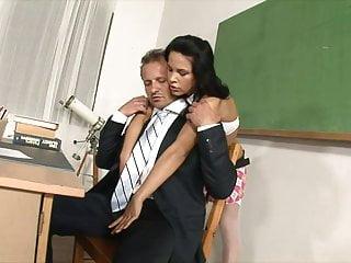 Th big tits Brunette schoolgirl in stockings sucks th eteachers dick in class