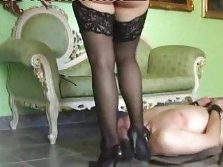 Studenta sex la domiciliu bucuresti Mistress luna bucuresti face sitting