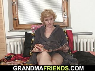 Mature pussy double penetration Shaved pussy mature begging for double penetration