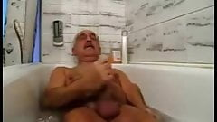 daddy play and cum in bathtub