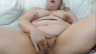 thick milf pussy play