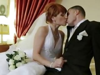 Gay wedding clothing Redhead bride gets dpd on her wedding day