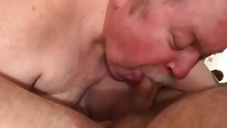 Cute daddy sucked my cock - Part 1