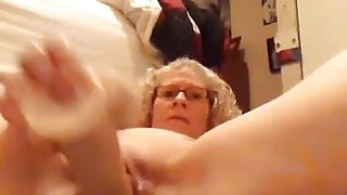 Love Watching Her Pound Her Pussy