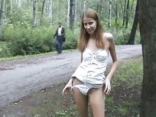 Foto porno noire Rubia re puta se saca fotos y se desnuda en publico