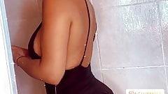 Sarah Martins gros cul et gros seins