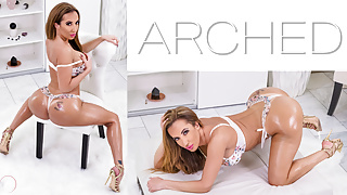 Arched: Richelle Ryan – Huge Booty oiled MILF bent over and fucked