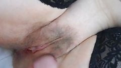 clit rubbing and cumshot