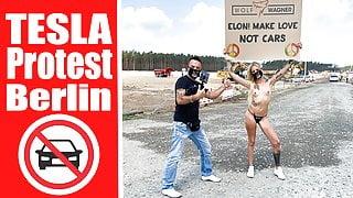 Nude protest in front of Tesla Gigafactory Berlin, Pornshoot