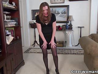 Mature in nylon - American milf terri gets highly aroused in nylon pantyhose