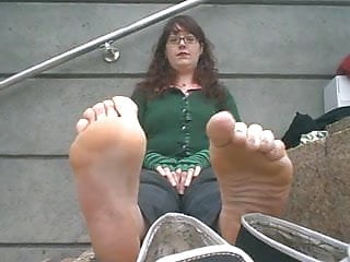 Girl gets fucked by fish stank - Css - overpowering super stank soles