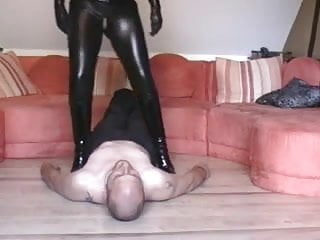 Ass in catsuit - Facesitting im catsuit - bostero