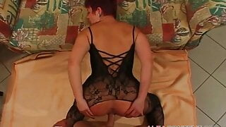 Ass to mouth with older cunt