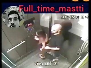 Amateur cam live nude Sex in the lift hidden cam live zavnapani