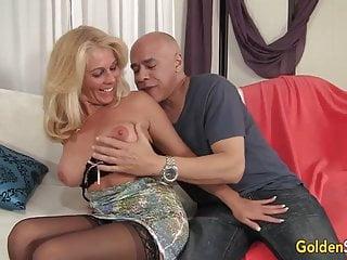 Older blonde sluts - Older blonde slut crystal taylor spreads her legs for cock