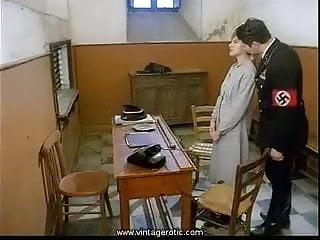 Italian porno blog - Mas apariciones nazis en el porno italiano