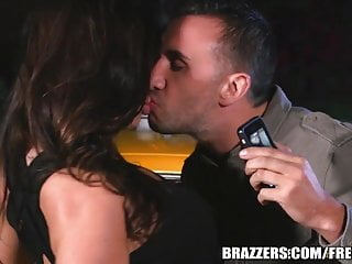 Sex tips giving head - Brazzers - destiny dixson gives cabby a good tip