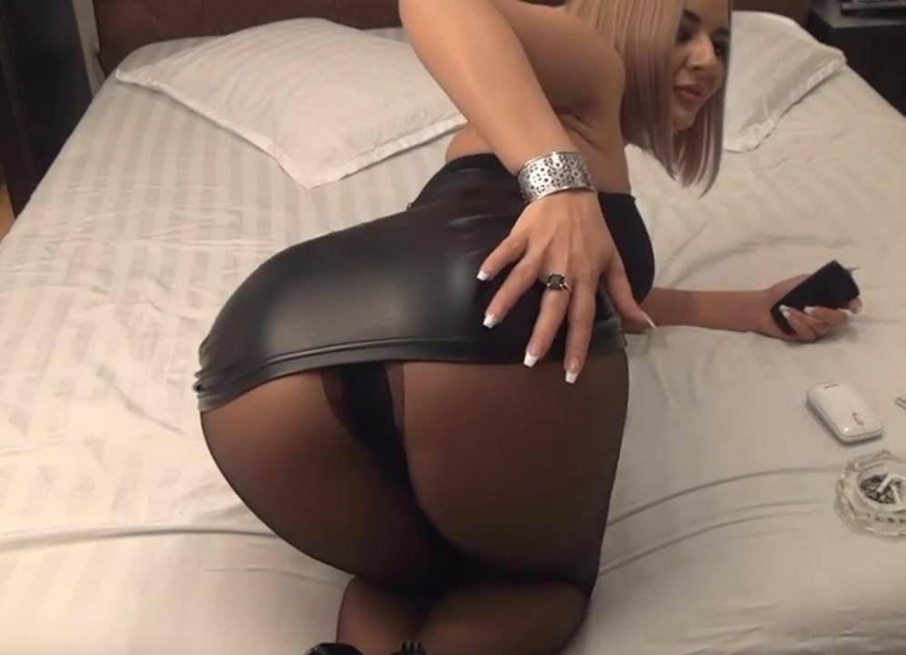 Live pantyhose webcam with sammi