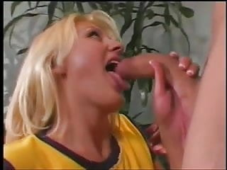 Pussy on her face Sexy young blonde babe gets a hard cock in her pussy, cum on her face