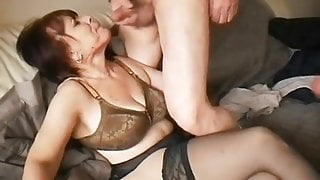 MATURE GIVING BLOWJOBS TO FRIENDS