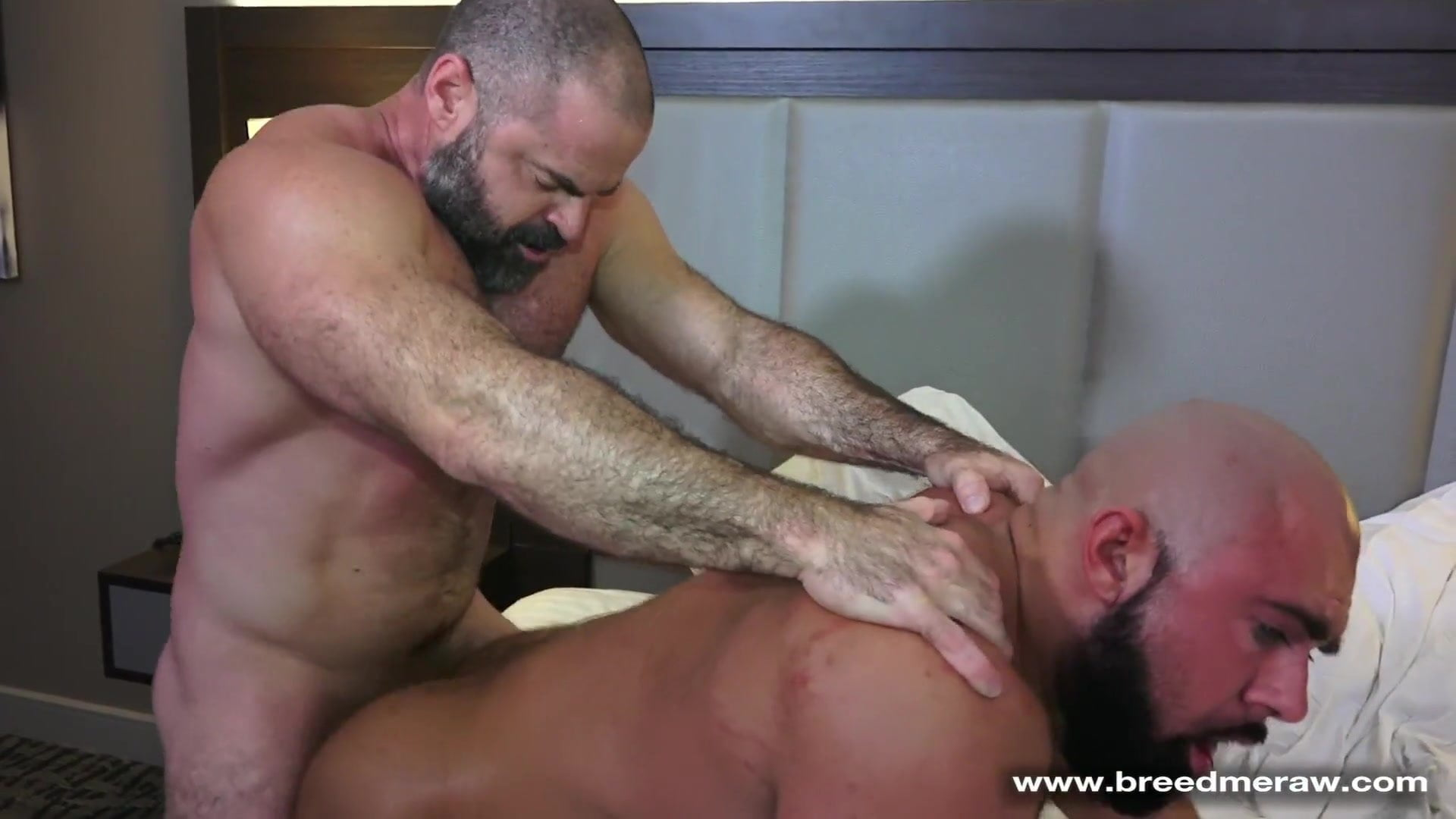 Muscle Daddy Sex