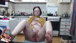SEXY GRANNY LUDMILA on Webcam