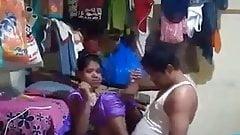 Desi Amateur Bhabhi Has Sex with Ex-Bf