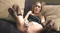 Dirty Woman fingers and Squirts by TROC