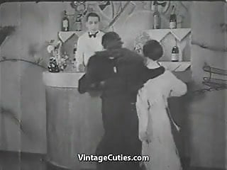 Vintage samsonite suitcases brown 1920s-1930s - Pretty babe in the bar 1920s vintage