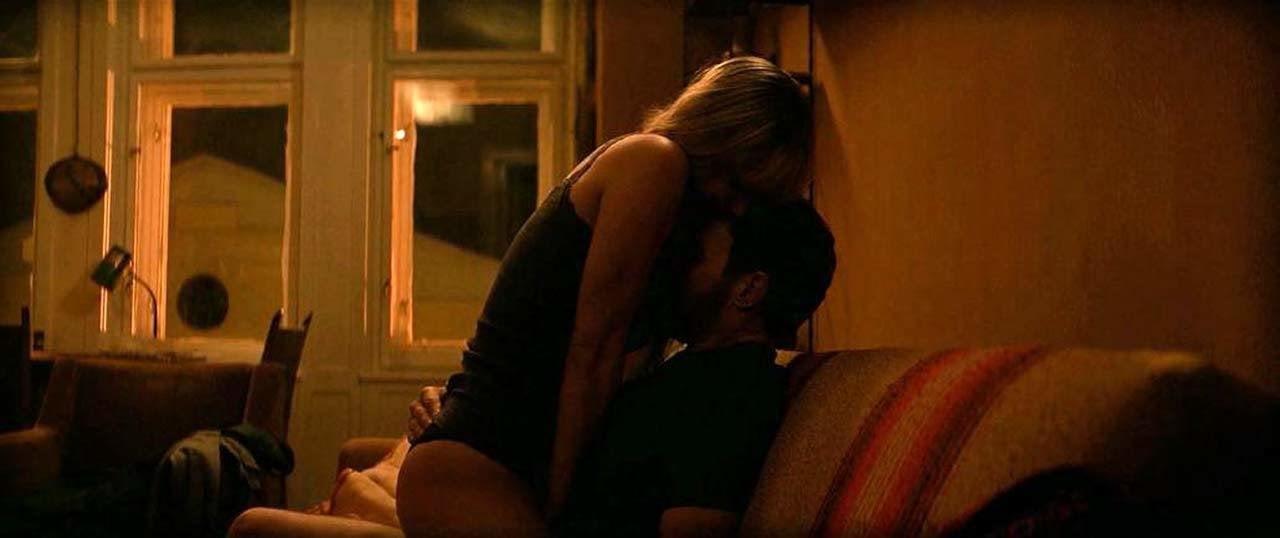 Sparrow sex scene red Jennifer Lawrence's